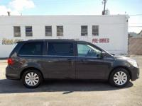 2012 Volkswagen Routan SEL 3.6L V6 DOHC FWD Leather.