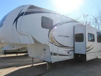 This used 2012 Wildcat 311THX toy hauler is a great