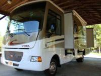 2012 Winnebago Vista 30T Class A This mint condition 30