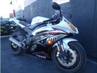Sportbike Motorcycle, WHITE2012 Yamaha YZF-R6, CLEAN