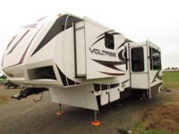 2012 42' VOLTAGE TOY HAULER SUPER LUXURY LIKE NEW !!! *
