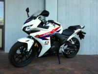 2012 HONDA CBR 250 R (NON-ABS), ONLY 58 MILES. RED,
