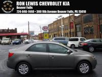2012 Kia Forte EX! **CD Player**, **Side Airbags**,