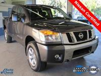 ** 4WD ** LIKE NEW ** NISSAN CERTIFIED** 2012 Titan SV
