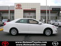 Exterior Color: super white, Body: Sedan, Engine: I4