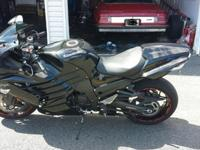 Nice Ninja 14 R like new condition mild drive road