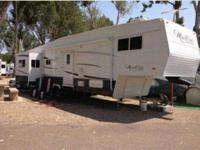 2013 37ft monte Carlo 5th wheel,3 slides outs,fully