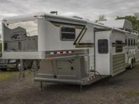 You really have to see this custom 2013 4 Star Aluminum