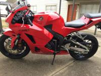 2013 honda cbr600rr in very good conditionBike has 2690