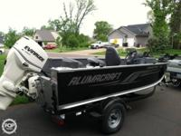 This Alumacraft 165 CS is powered by a 90 Hp Evinrude