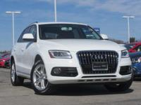 Exterior Color: white, Body: SUV, Engine: 2.0L I4 16V