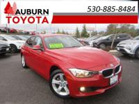 NAVIGATION, BACKUP CAMERA, LEATHER! This wonderful 2013