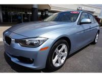 FUEL EFFICIENT 34 MPG Hwy/22 MPG City! CARFAX 1-Owner,
