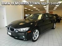 EPA 33 MPG Hwy/22 MPG City! Moonroof, Heated Seats, All