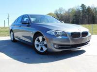 528i trim, Space Gray Metallic exterior and