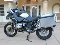 2013 BMW R 1200 GS ADVENTURE, This is a show room