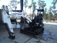 Like all M-Series designs the E32 offers top digging