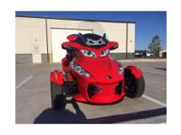 Trike Motorcycle, Red, 998 cc, 4,500 mi.013 Can-Am