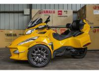 Trike Motorcycle, YELLOW, 3,311 mi2013 Can-Am Spyder