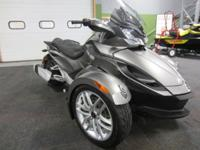 SUPER CLEAN 2013 CAN-AM SPYDER ST SE5 WITH ONLY 566