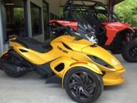 2015, Can AM Spyder ST-S, 5 speed manual transmission,
