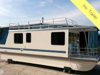 You must see this 2013 Catamaran Cruisers 1035 to
