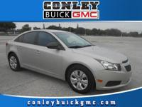 This Chevrolet Cruze is beautiful and the interior is