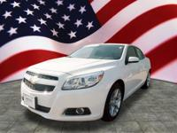 Exterior Color: summit white, Body: Sedan, Engine: 2.4L