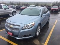 FUEL EFFICIENT 30 MPG Hwy/21 MPG City! Sunroof, Heated
