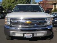 Options:  2013 Chevrolet Silverado 1500 Lt|White/|V8