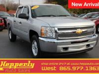 This 2013 Chevrolet Silverado 1500 LT in Graystone