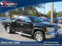 4WD, Extended Cab, Tonneau Cover, Tow package,