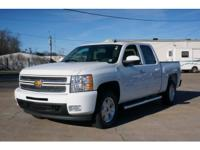Exterior Color: summit white, Body: Crew Cab 4X4,
