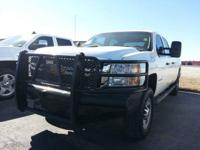 WORK TRUCK! This 2013 Chevy Silverado 2500 4wd long box