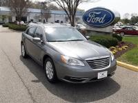 CLEAN CARFAX2013 CHRYSLER 200 TOURING EDITION2.5L 4 CYL