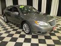 OVERVIEW This 2013 Chrysler 200 4dr 4dr Sedan Limited