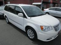 Options:  2013 Chrysler Town & Country Touring|3.6L V6