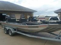 2013 CLARK CHANNEL MASTER 24'X8' ALUMINUM FISHING BOAT.