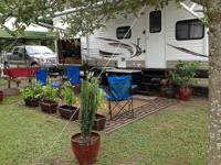2013 Coachmen Catalina Deluxe 27-FBCK. This is a