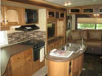 2013 Crossroads Hill Country HCT32RL, Never been used