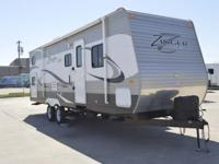 I've got a 2013 Crossroads Zinger 32QB bunkhouse in