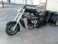 2013 Ford Trike. This Custom v8 trike chopper currently