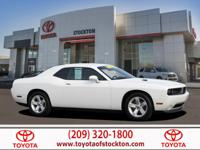 Options:  2013 Dodge Challenger Coupe Sxt|Bright White