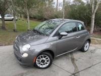This 2013 Fiat 500 2dr 2dr Hatchback Pop features a