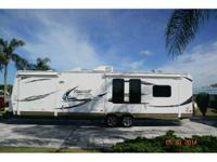 2013 Flagstaff M831RESS Travel Trailer . This is a very