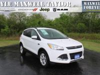 2013 FORD ESCAPE SE IN OXFORD WHITE!! MAXWELL FOREVER