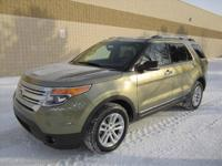 CHECK OUT THIS SUPER SPACIOUS LIKE NEW 4-Dr 2013 FORD
