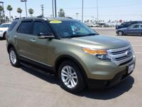 2013 Ford Explorer XLT !!! 3rd Row seat !! Leather !!