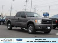 Boasts 19 Highway MPG and 14 City MPG! This Ford F-150