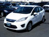 EPA 39 MPG Hwy/29 MPG City! CARFAX 1-Owner. SE trim. CD